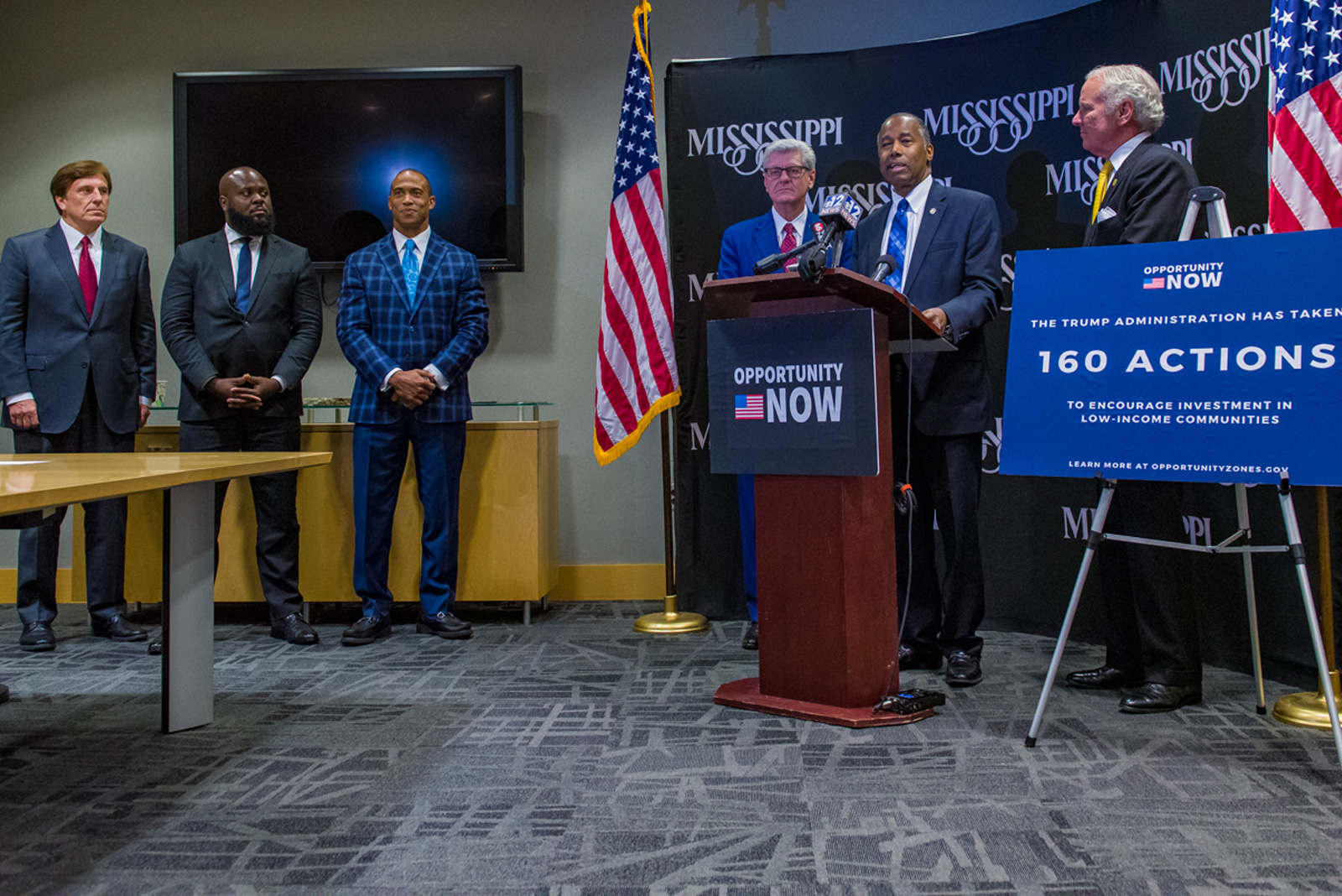 Secretary Carson, joined by Governors Phil Bryant and Henry McMaster, announces 160 actions taken by the White House Opportunity and Revitalization Council to encourage investment in low-income communities